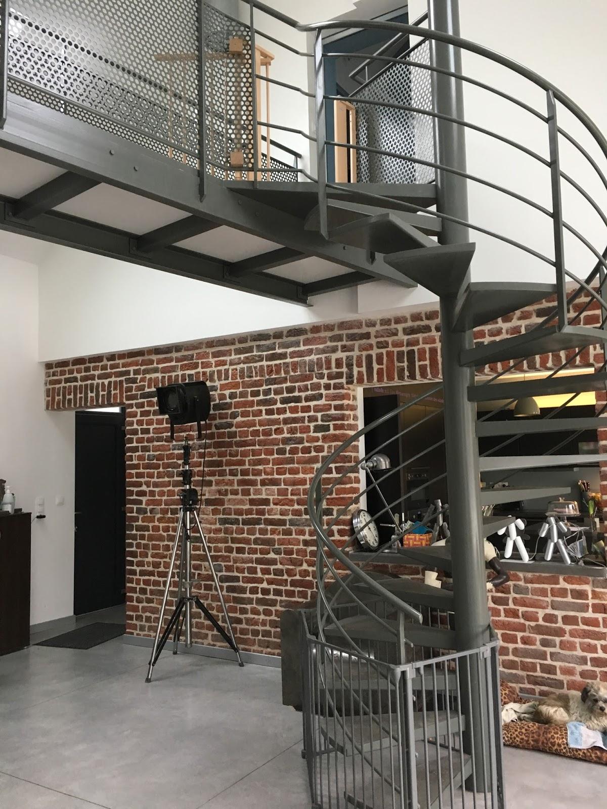 Escalier Dans Un Salon la grange qui deviendra loft: le salon loft et l'escalier métal