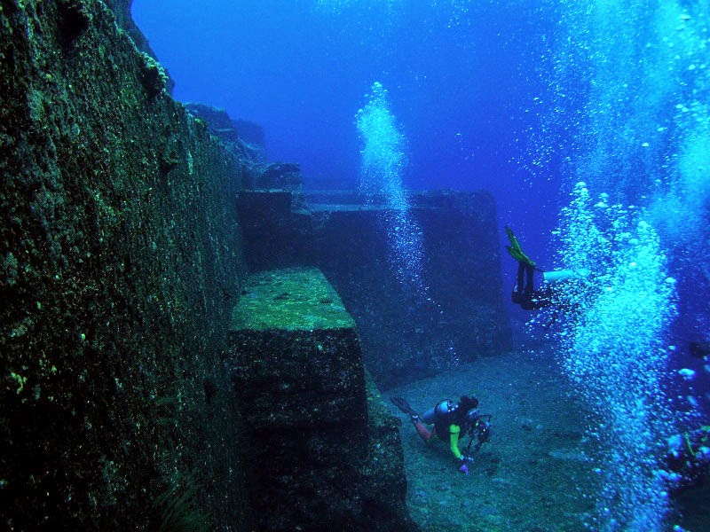 2. The Pyramids of Yonaguni-Jima, Japan - 5 Mind Blowing Underwater Cities