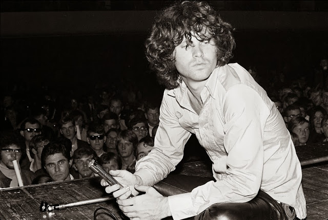 Σαν σήμερα... φεύγει ο Jim Morrison των DOORS
