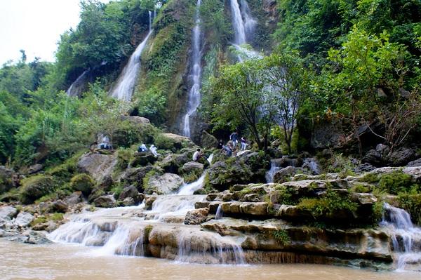 Wisata Air Terjun Sri Gethuk gunung kidul