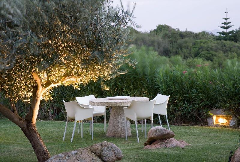 tavolo in pietra da giardino