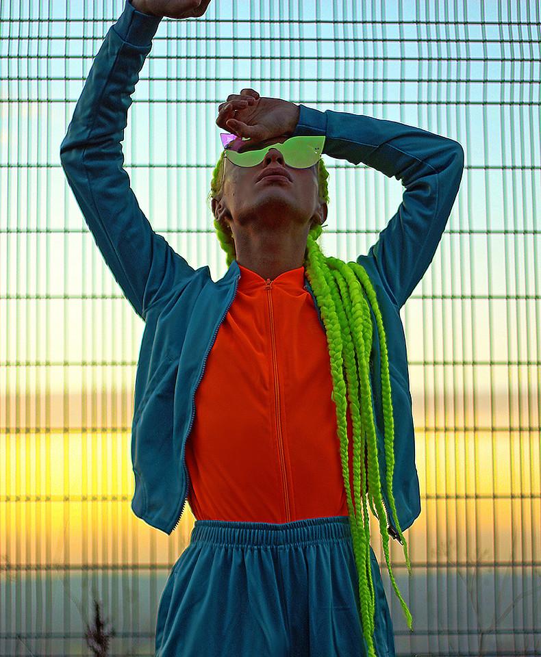look masculino estiloso laranja fiesta para o verao e carnaval cores ano 2019