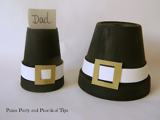 A pilgrim hat place card, and a pilgrim hat centerpiece