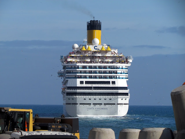 Costa Fascinosa departs from Funchal port