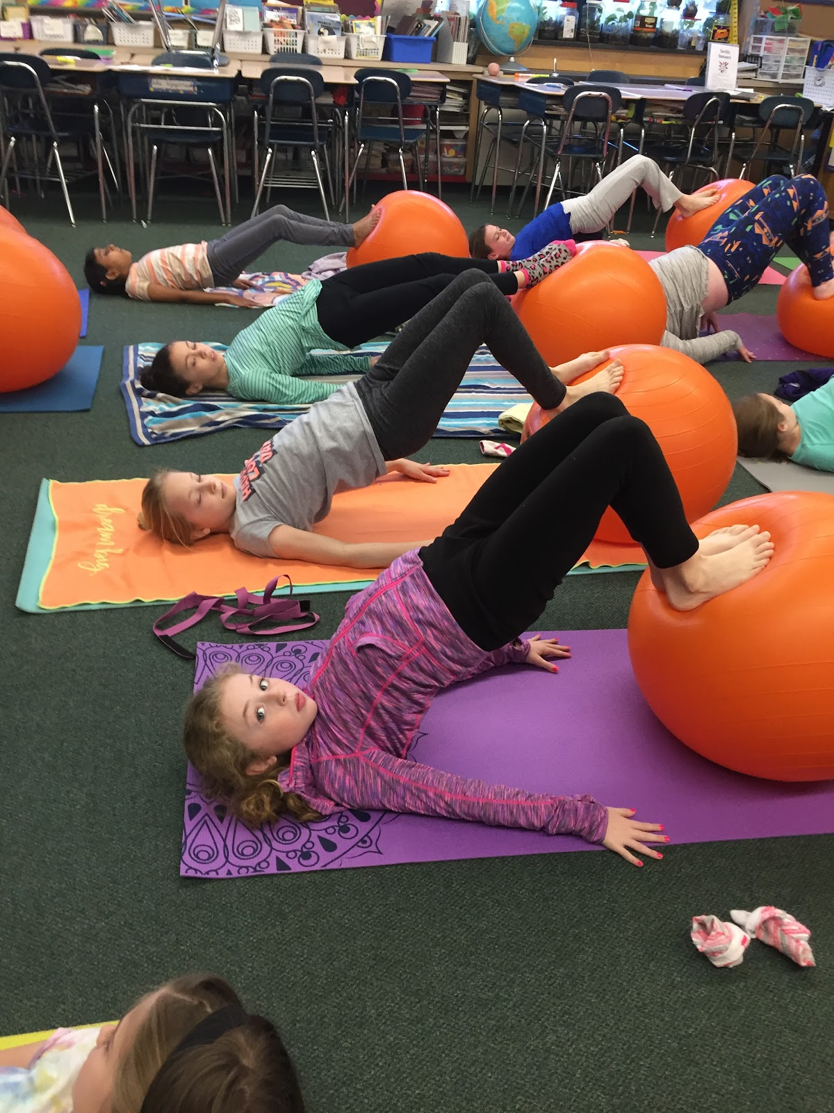 Kids Keeping Up!: Rise and Shine Yoga... With Yoga Balls