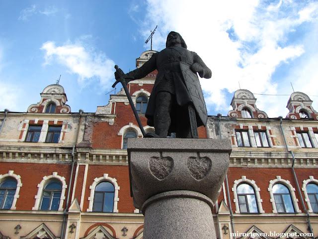 Памятник основателю Выборга Торгильсу Кнутссону