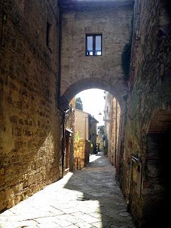 calles de pueblos en la Toscana