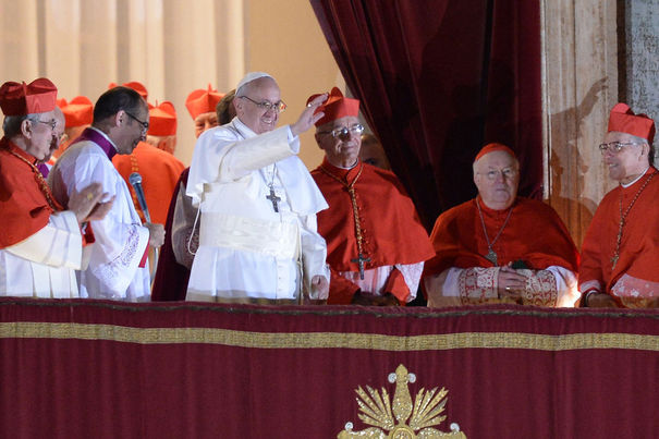 rencontre du pape francois avec benoit xvi