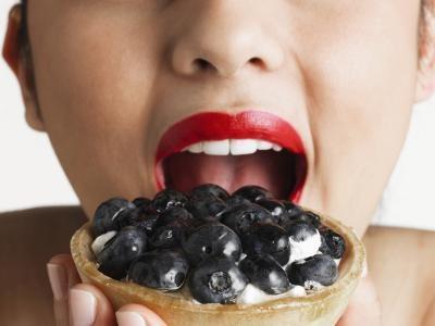 Memutihkan Gigi Secara Alami Menggunakan Buah Anggur