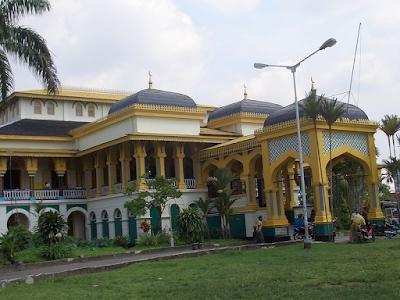 Istana Maimun atau Istana Deli