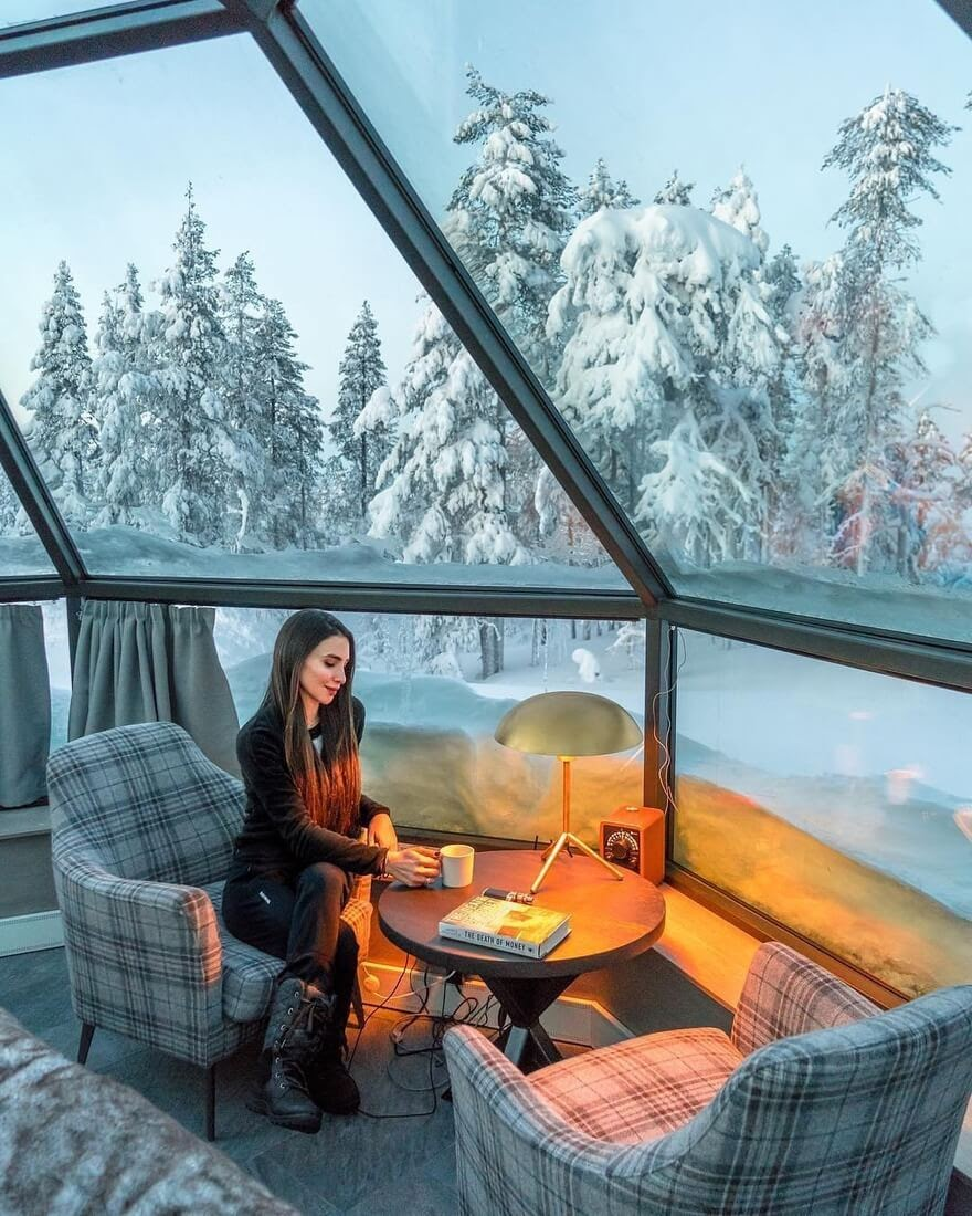 12-Levin-Iglut-Glass-Igloos-Hotel-Resort-in-Finland-www-designstack-co