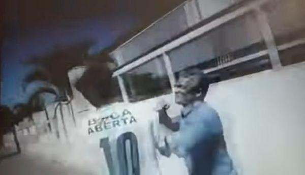 Deputado federal leva soco de vereador e quebra o nariz; veja o vídeo
