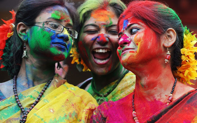 holi-celebration-in-india-hindi-me