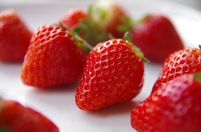 las fresas en la cocina de la abuela