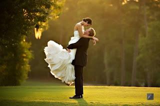 Persiapan pernikahan sederhana namun bahagia