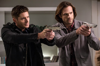 "Jensen Ackles as Dean Winchester and Jared Padalecki as Sam Winchester in Supernatural 13x04 ""The Big Empty"""