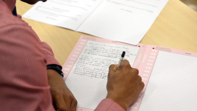 Blog elhacker.NET: 3.000 estudiantes de Tailandia deberán repetir examen  por hacer trampas usando relojes inteligentes