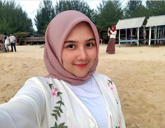 Beautiful Adventurer Hijaber