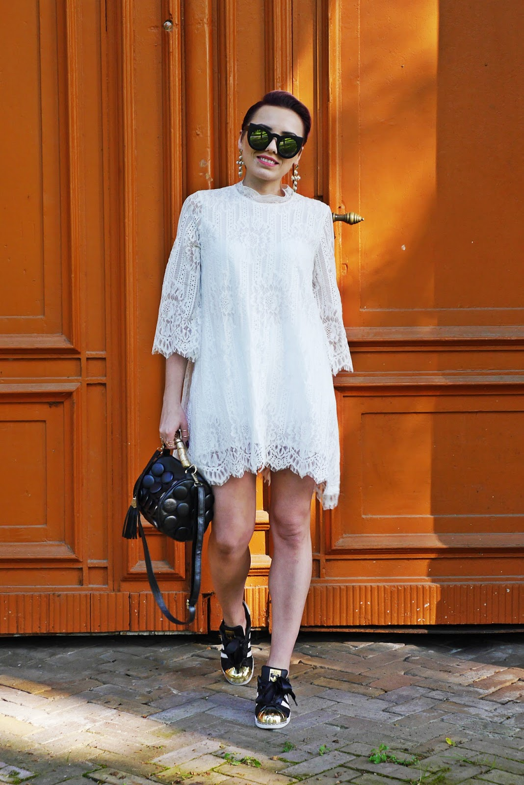 1-blog_modowy_karyn_lace_dress_white_adidas_superstar_ootd_look_250517_lace_dress_long_zaful
