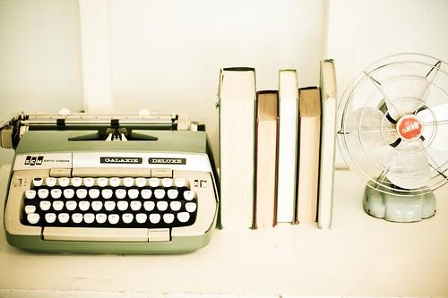 easie peasie co typewriter love. Black Bedroom Furniture Sets. Home Design Ideas