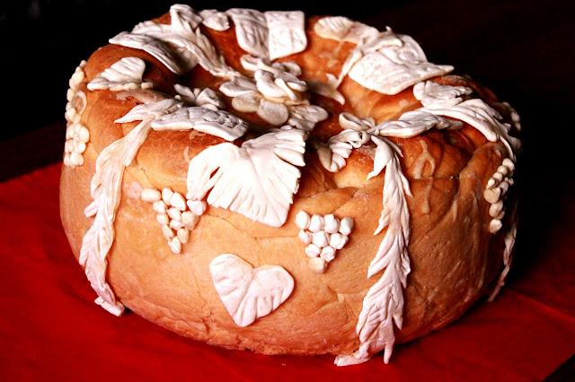 Postan-slavski-kolač-sa-ukrasima