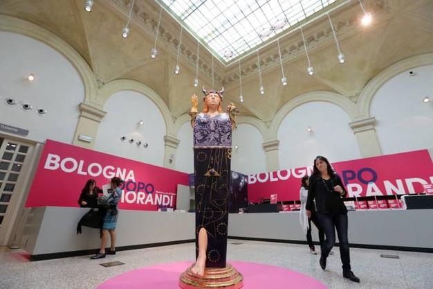 Giorgio Morandi è stato senza dubbio il dominatore assoluto dell arte a  Bologna nella prima metà del Novecento. b4cb21a44945