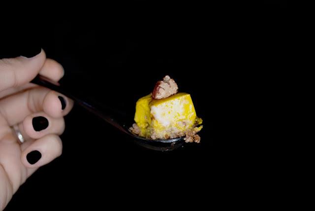 turmeric, cinnamon, pie, tart, tartelette, vegan, glutenfree, glutenfrei, rezept, recipe, pecan, walnut, baumnuss, kuchen, torte, no bake, free from refined sugar, zimt, golden, fall, autumn, yunaban, blog, blogger, schweiz, switzerland