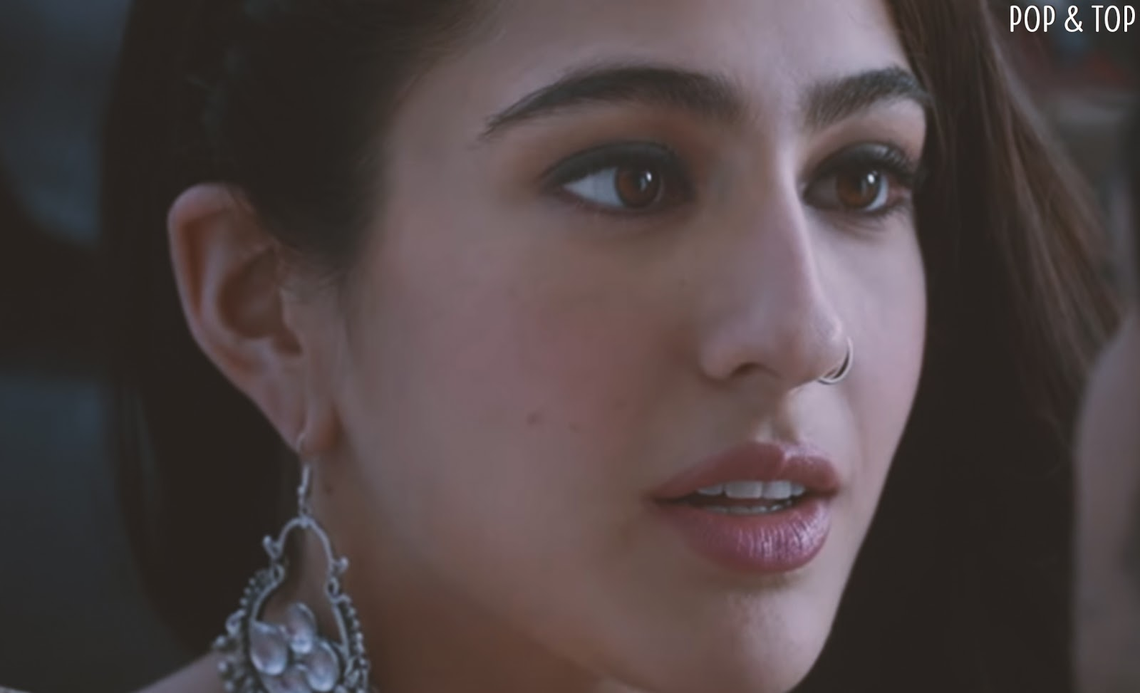 Download Sara Ali Khan Hd Wallpapers From Kedarnath Movie Pop And Top