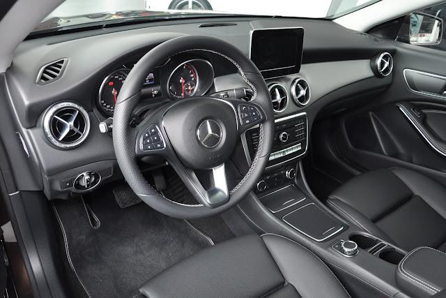 Nội thất Mercedes CLA 200 được bày trí và thiết kế vô cùng tỷ mỉ, sang trọng