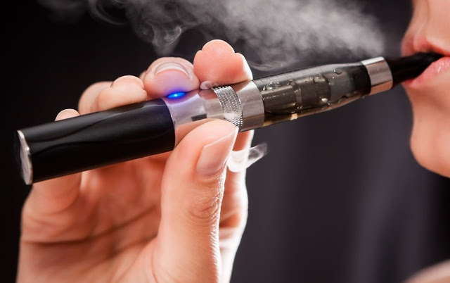 E-Cigarettes Cause A Horrible Incurable Disease Called 'Popcorn Lung'