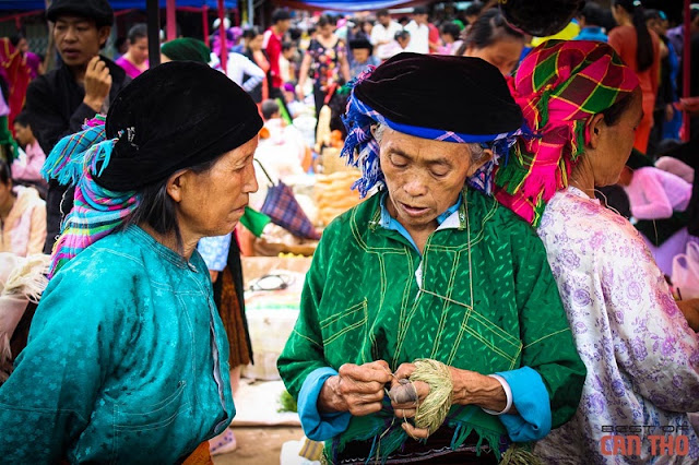 Sa phin market in Ha Giang 2
