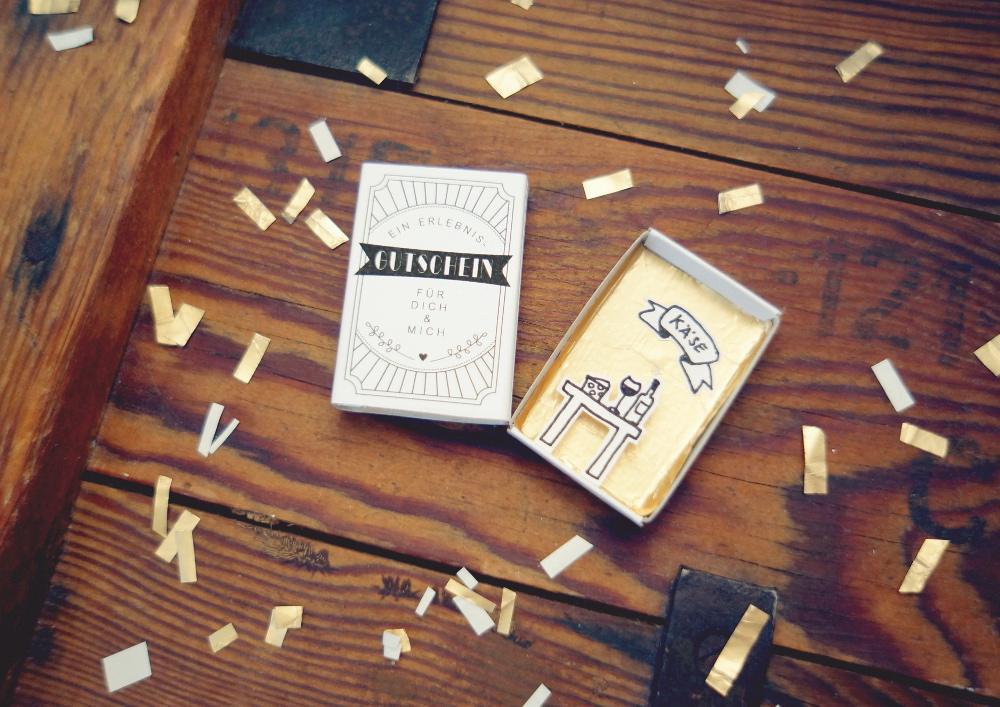 geschwister gezwitscher gutschein in der streichholzschachtel. Black Bedroom Furniture Sets. Home Design Ideas