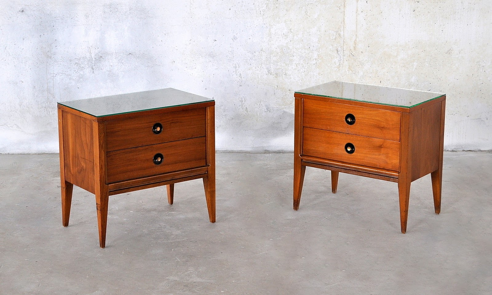 SELECT MODERN: Pair of Mid Century Modern Nightstands ...