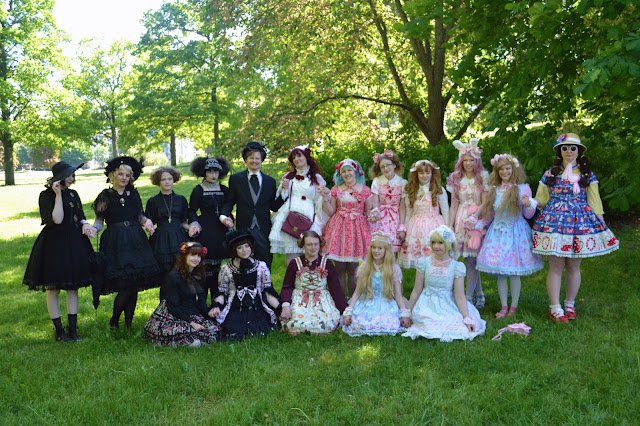 mintyfrills group photo sweet gothic classic picnic