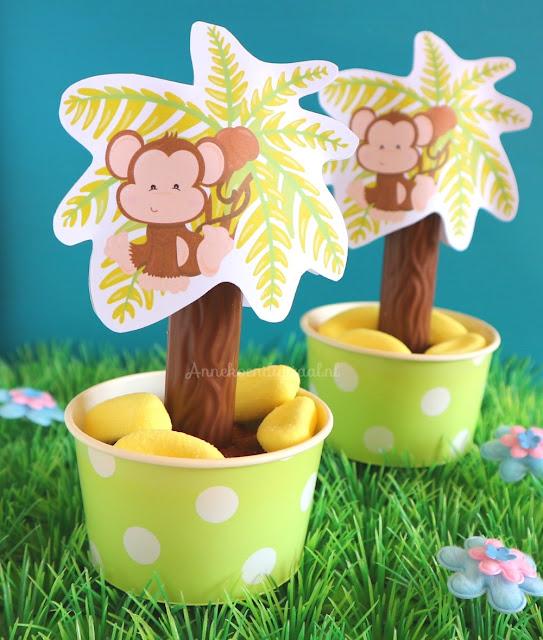 Traktatie palmbomen, gratis aapjes printable, chocolade cupcakes traktatie, de leukste traktaties, gezonde traktatie, jungle printable, annekoen traktatie, traktatie met bananen snoepjes