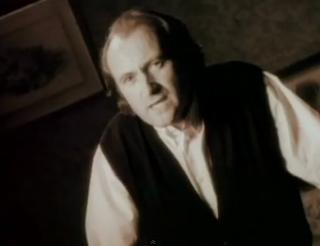 videos-musicales-de-los-90-genesis-no-son-of-mine