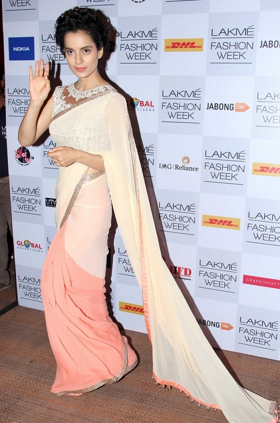 Indian Glamours Girl Kangana Ranaut Stills In Pink Designer Saree At Lakme Fashion Week