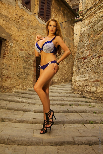 Jordan-Carver-Villaggio-hot-sexy-hd-photoshoot-image_14