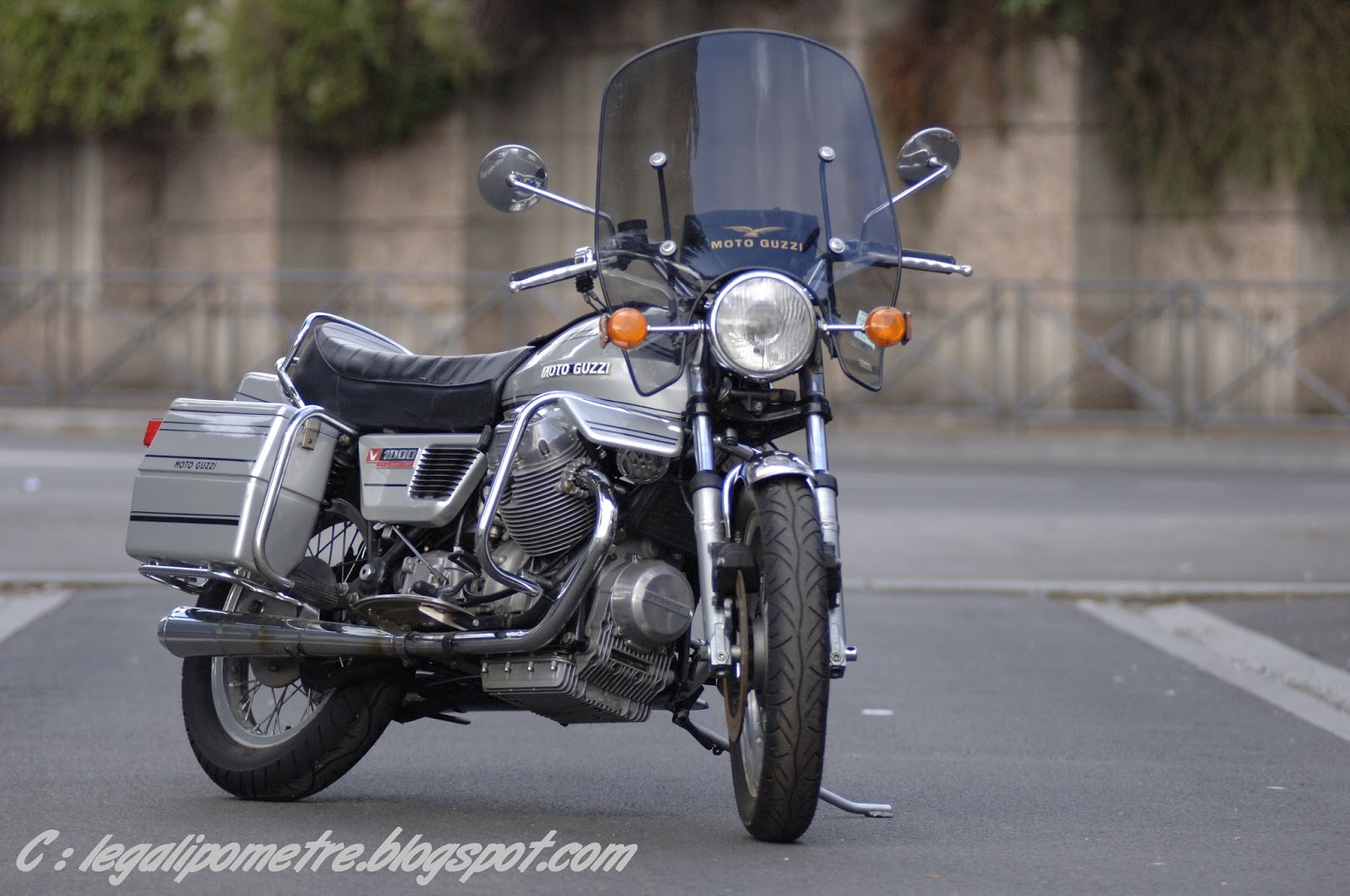 Le Galipomètre: Contact : Moto Guzzi 1000 Convert 1976