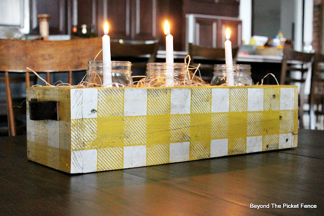 build a centerpiece box from pallets