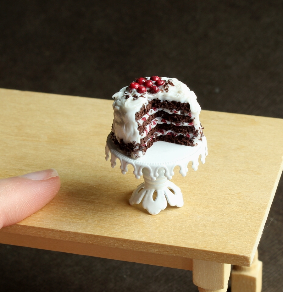 03-Black-Forest-Cake-Kim-Clough-fairchildart-Dolls-House-Miniature-Clay-Food-Art-www-designstack-co