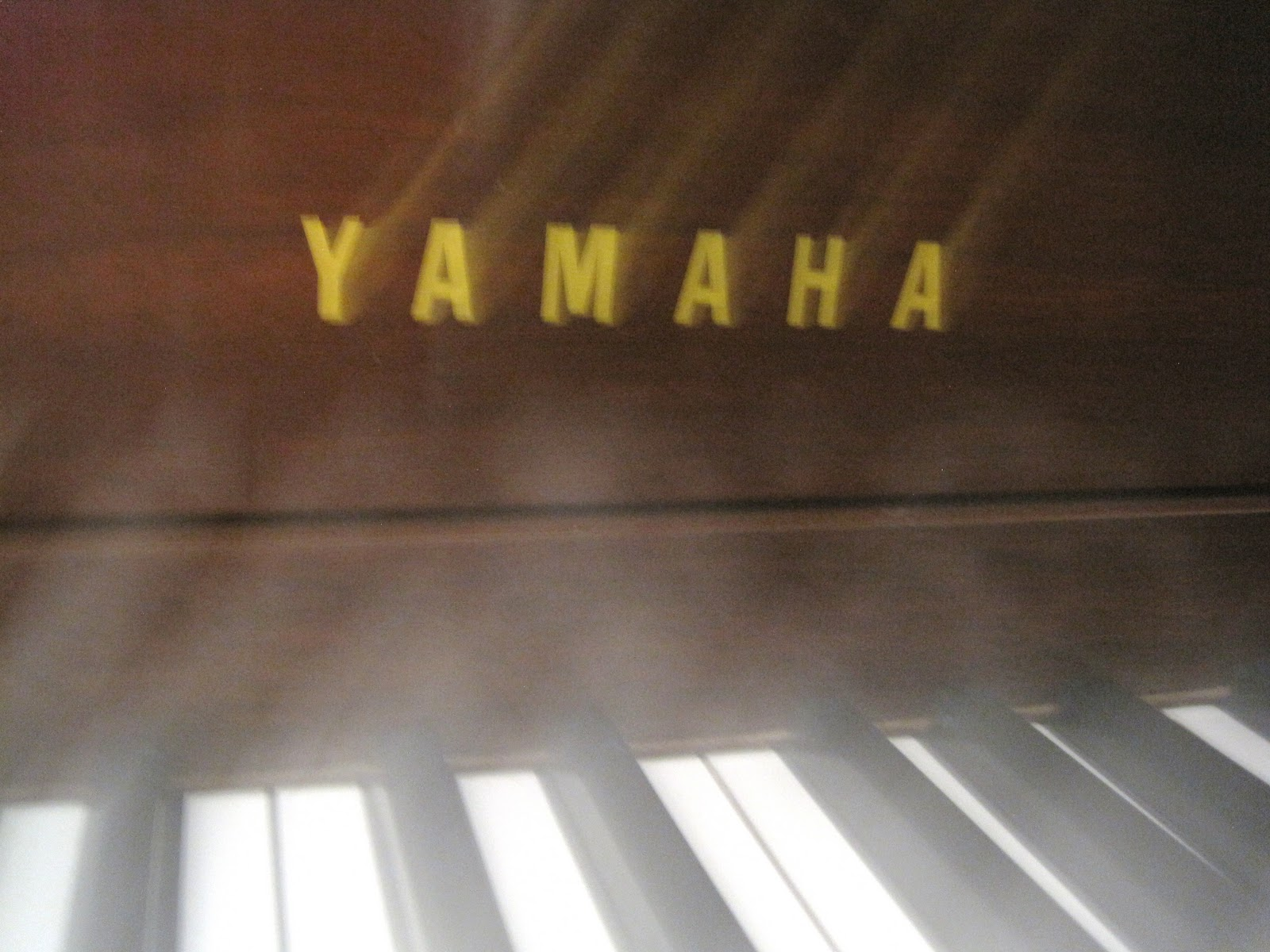 Az piano reviews october 2011 for Yamaha n3 price