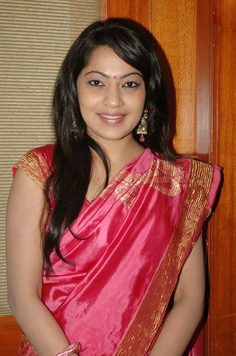 Tv Anchor Ramya Hip Navel Show In Pink Saree