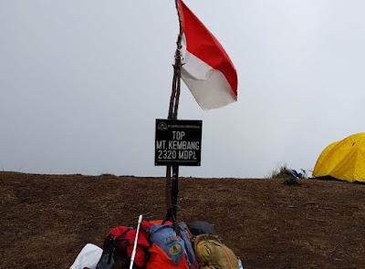 Puncak Gunung Kembang 2320 Mdpl