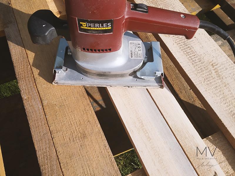 DIY Pallet Headboard-MVblog
