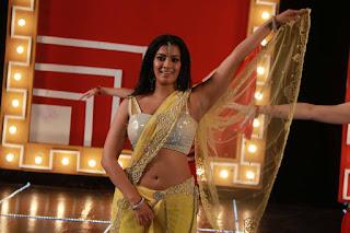 Varalaxmi  Pictures madagajaraja 001.jpg