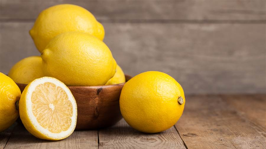 Here's What Happens To Your Body If You Put A Sliced Lemon Next To Your Bed At Night