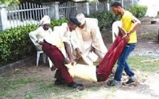 Watch SHOCKING Video Of How LASTMA Oficial Was Stoned To Death In Lagos