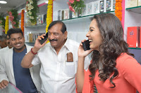 Catherine Tresa in Orange Kurti top and Plazzo at Launches B New MobileStore at Kurnool 10.08.2017 029.JPG
