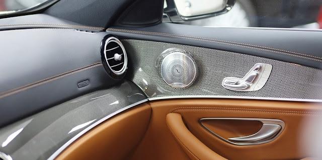 Mercedes E300 AMG 2018 nhập khẩu sử dụng Âm thanh vòm Brumerster 13 loa